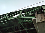 F1012588